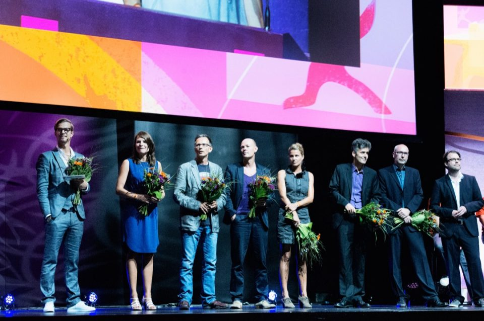 Bühne, Joko Winterscheidt, Verleihung, Blumen