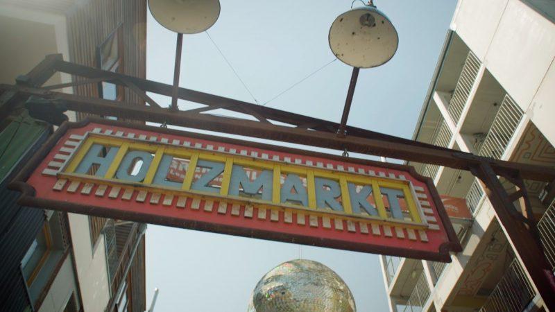 Holzmarkt, Location, 2021, Eingang, Discokugel